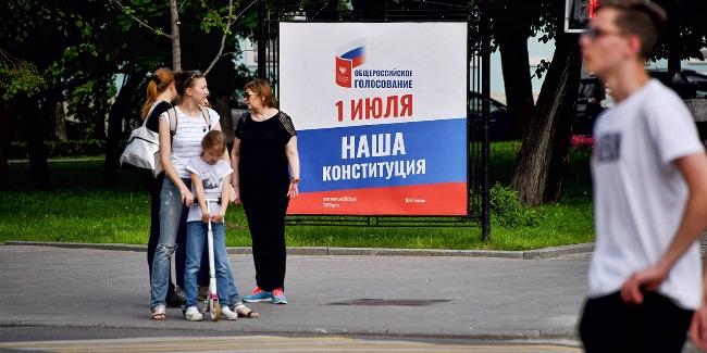 Роман Бабаян - телеведущий: биография, семья, жена, дети (фото) | 325x650